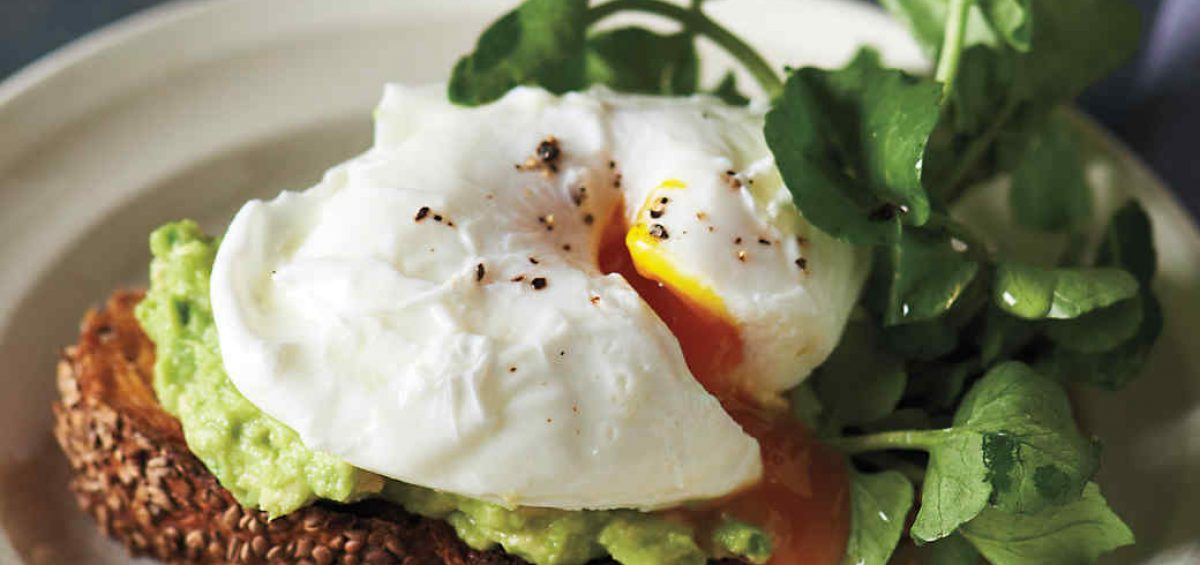 sesame-toasts-poached-egg-avocado-md109548_vert